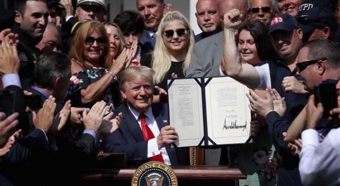 Тръмп подписа закон за обезщетяване на хората, оказвали първа помощ след атентатите на 11 септември