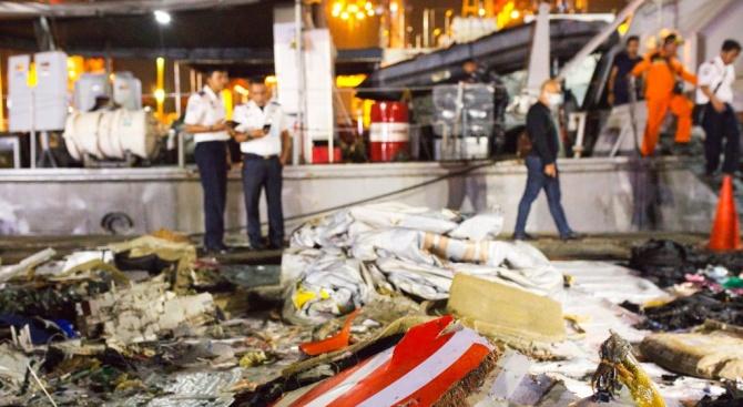 17 души загинахапри катастрофа на военен самолетв Пакистан