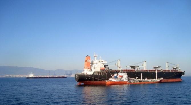 Украински съд одобри задържането на руски танкер