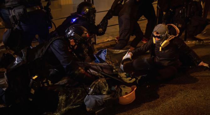 Нови протести и сблъсъци в Хонконг