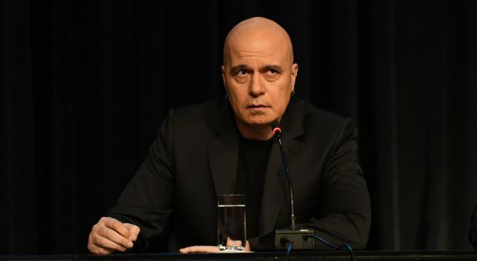 Слави Трифонов влиза в политиката и прави нов тв проект