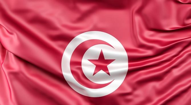 Премиерът на Тунис Шахед се кандидатира за президент в изборите през септември