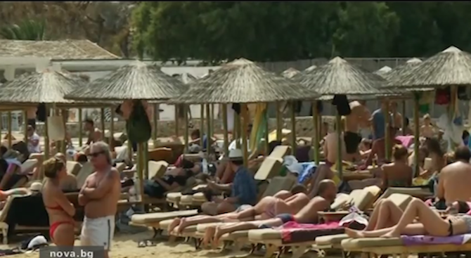 Хотелиери анулират ранни резервации за почивка в Гърция