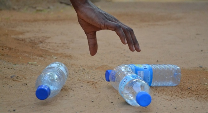 Всяка минута човечеството използва по 1 млн. пластмасови шишета