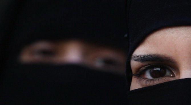 Жените в Саудитска Арабия вече ще могат да пътуват без разрешение от мъж