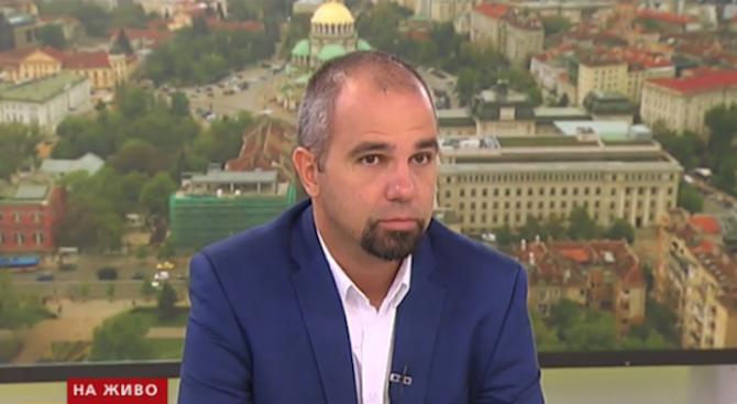 Политолог: Слави Трифонов държи всички в шах, трудно ще се даде