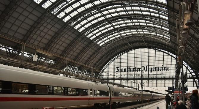 Банков обир спря работата на жп гарата във Франкфурт