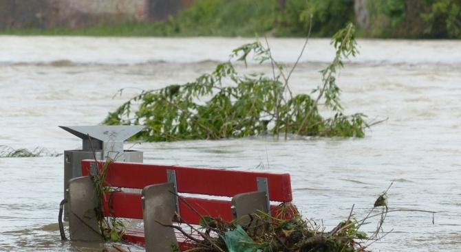 Нови наводнения в Турция, издирват безследно изчезнал шофьор