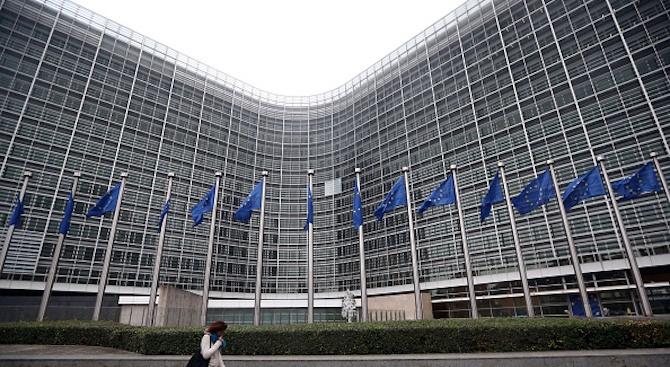 ЕК предупреди, че при твърд Брекзит ще има значителни икономически трудности