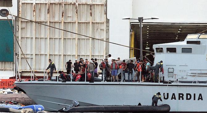 Обвиниха Фронтекс, че толерира малтретирането на мигранти
