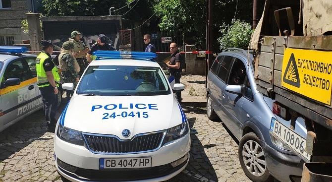 Не снаряд, а камък вдигна сапьорите на крак в София