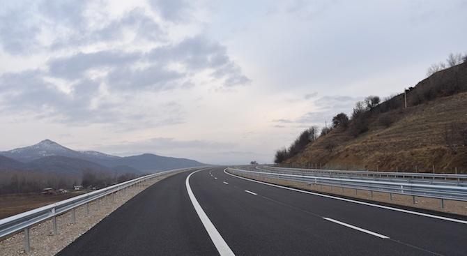 Ето кои пътища в страната се ремонтират