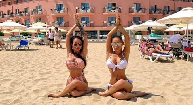 Емануела и Деси Фотосесията избухват по женски на Слънчака