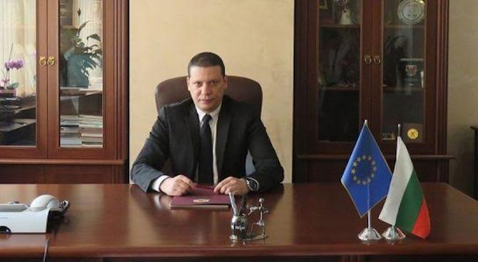 Илиан Тодоров: Трифонов е брутален ултра популист, който танцува с омразата на хората!
