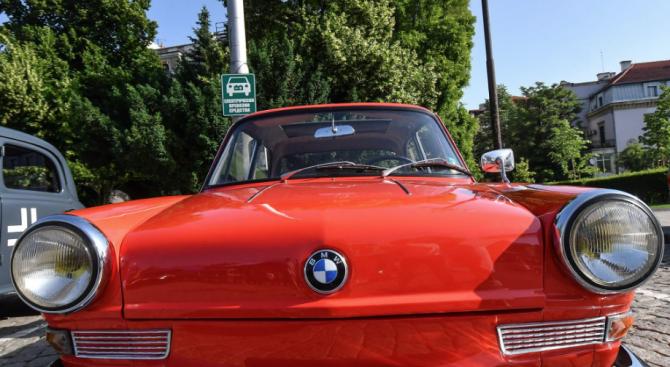 Над 50 стари автомобила ще бъдат показани на първия ретро парад в Добрич