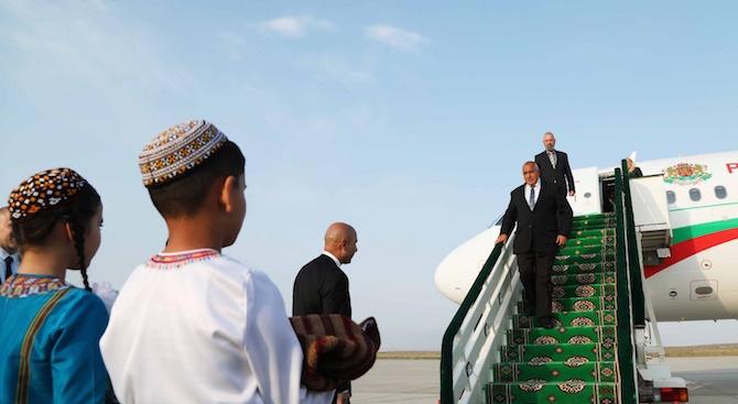 Премиерът Борисов вече е в Туркменистан