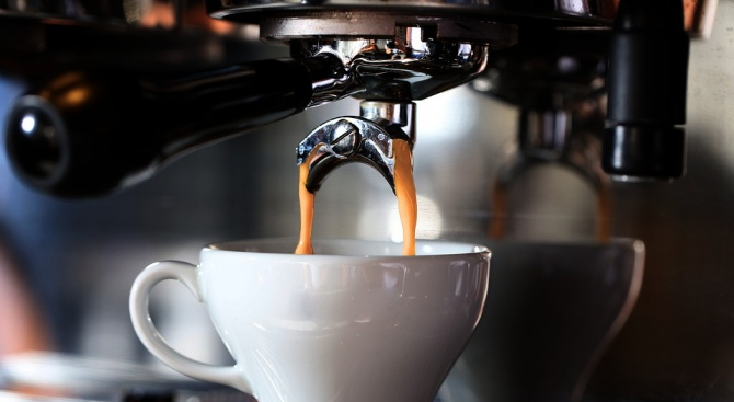 Мъж си купи кафе за 184 бона от пловдивска бензиностанция