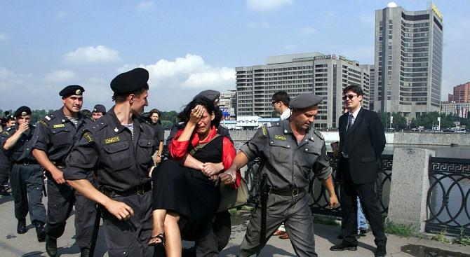 Над 250 задържани при опозиционните протестив Русия