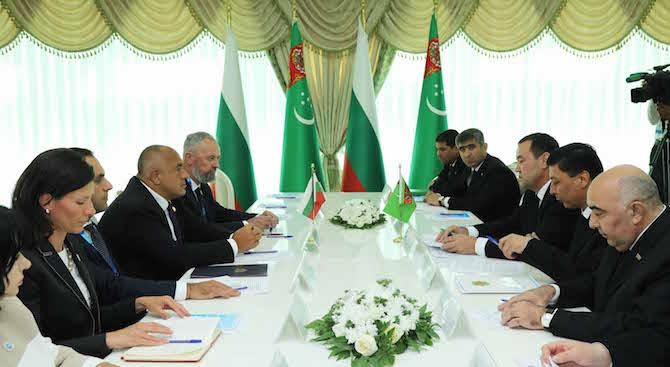 Премиерът Борисов участва в срещата на официалните делегации на България и Туркменистан