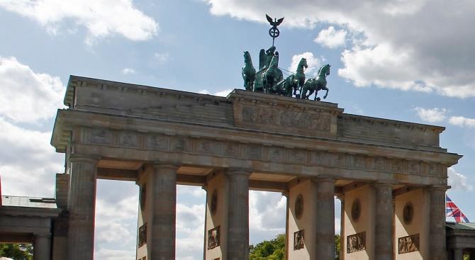 Германските потребители пренебрегват световния икономически песимизъм, но колко ще продължи това?