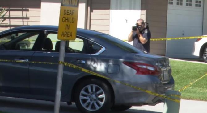 Момиченце на 2 години издъхна в колата, докато майка му си е подремвала