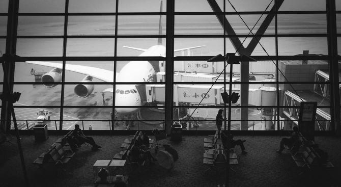 Летището на Хонконг отмени всички заминаващи полети