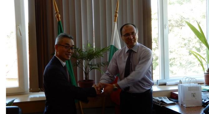 Зам.-кметът на Карлово се срещна с г-н Кацухико Ягучи - представител на община Мураяма, Япония