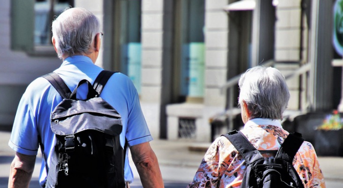 Учени конструираха роботизирана опашка, която да държи изправени старите хора