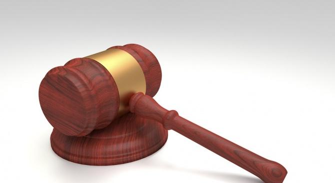 На съд за опит за грабеж на жена в Перник
