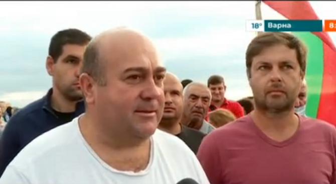 Протестиращите в Шишманци искат референдум за сметището