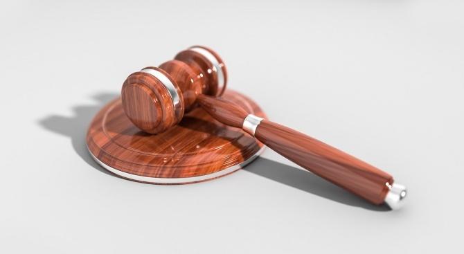 11 месеца затвор за кражба на вещи от автомобил в  Монтана