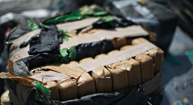 В Бургас са заловили огромни количества кокаин