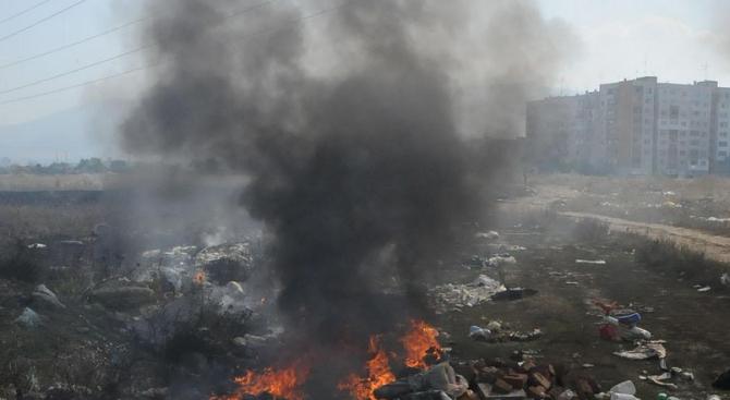 Овладян е пожарът на старото сметище в Свищов