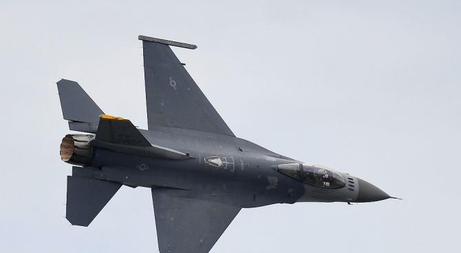 САЩ одобриха продажбата на 66 изтребителя Ф-16 на Тайван