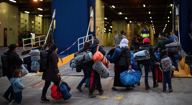 """Пет държави от ЕС се съгласихада приемат мигранти от кораба """"Оупън армс"""""""