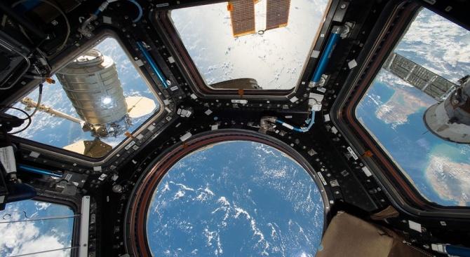 Астронавти на НАСА включиха електрозахранването на нов модул за скачване на МКС