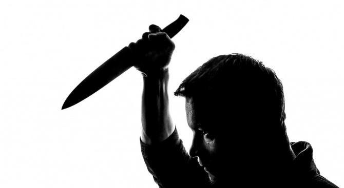 """Бивш служител нападна с нож управител на заведение в """"Камчия"""""""