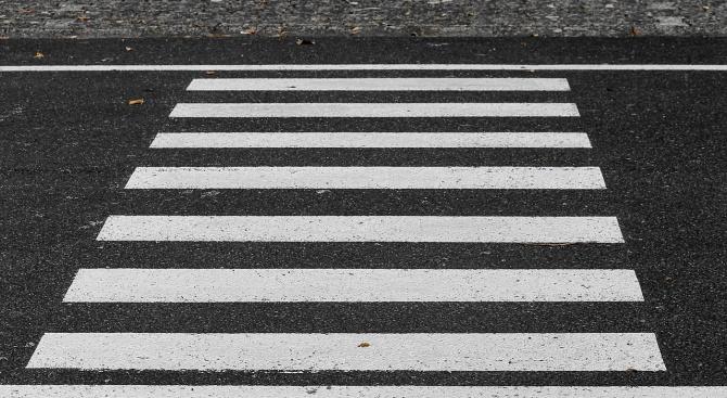 Обновяват пешеходната маркировка във Варна
