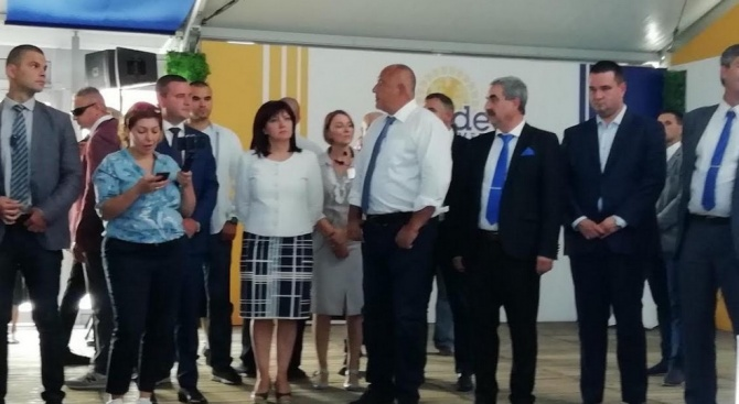 Караянчева пожела на Крумовград да се нареди сред общините  с най-високи доходи
