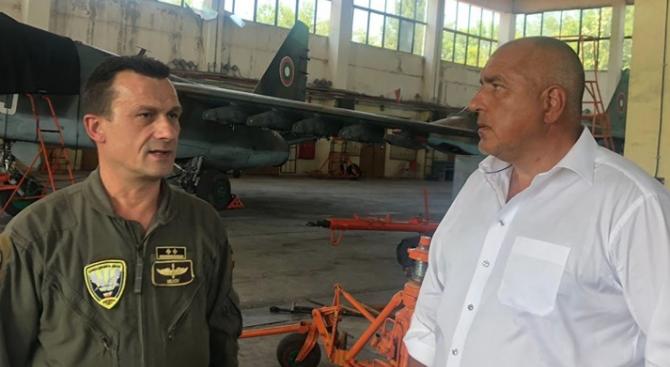 Борисов: Очаквам в кратки срокове да започне ремонтът на самолетите Су-25