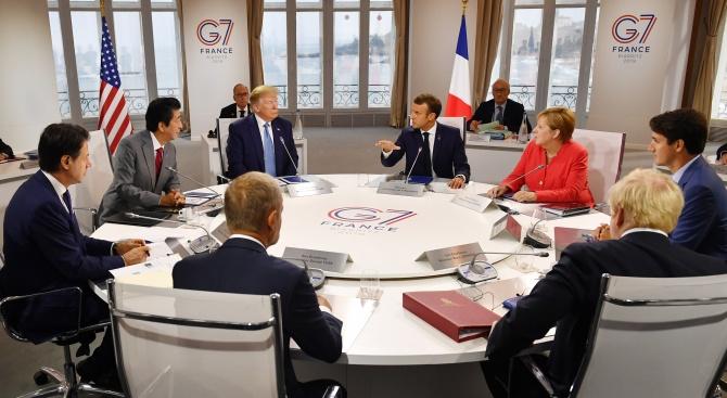 Г-7 засилва диалога с Русия, но смята, че е рано да я приема отново в групата