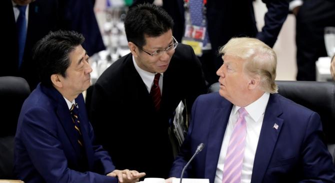 Тръмп и Абе са на различни позиции за изстрелваните от Северна Корея ракети с малък обсег