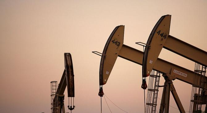 Иран заяви, че няма да преговаря по балистичната си програма и иска да изнася повече петрол