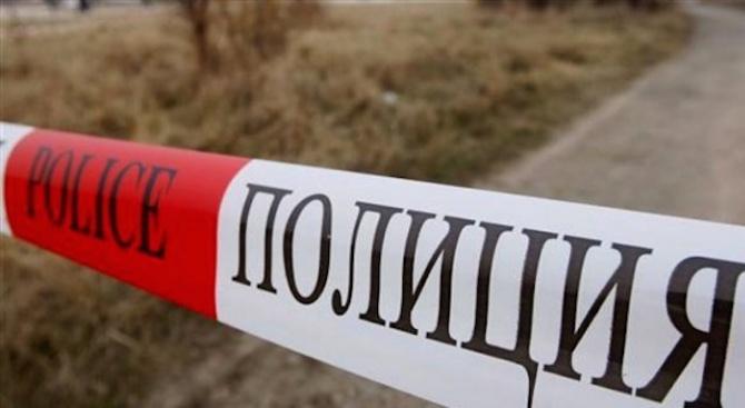 МВР публикува 3 нови снимки от намерени части от дрехи и вещи на убитите край Негован