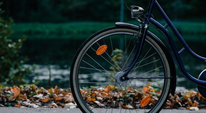 Трактор блъсна колоездач на Околовръстното на Пловдив