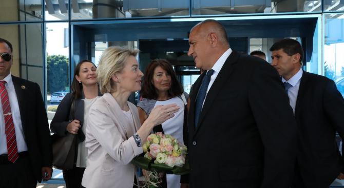Бойко Борисов посрещна новоизбрания председател на Европейската комисия Урсула фон дер Лайен