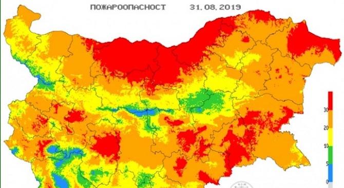 Опасност от пожари в 19 области на страната утре