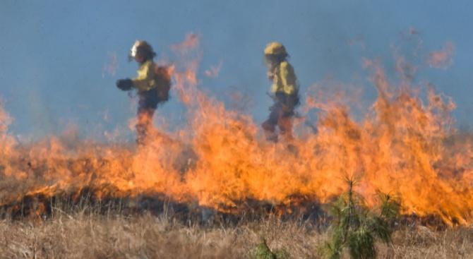 Опасност от пожари в 20 области на страната днес