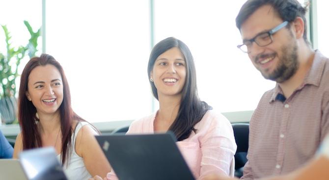 Обучават безплатно 10 000 IT специалисти от цяла България