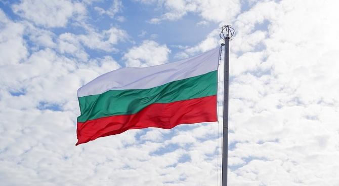 В Пловдив монтираха нови знамена за Деня на Съединението и празник на града